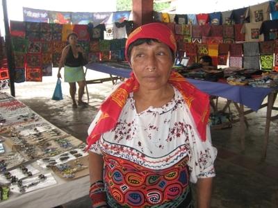 panama indigenous woman portobello