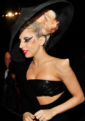 lady gaga horns. Lady+gaga+horns+in+her+